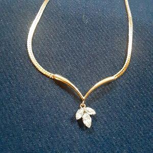 Vintage Krementz goldtone 3 crystal necklace